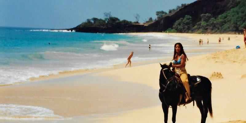 Kiana Tom Maui Horseback 1300 xWeb